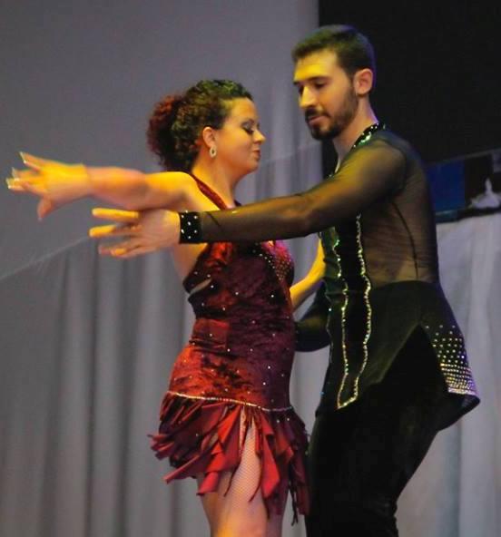 54c21ef0d3 Desde de cedo manisfetava sua adoração pela arte de dançar
